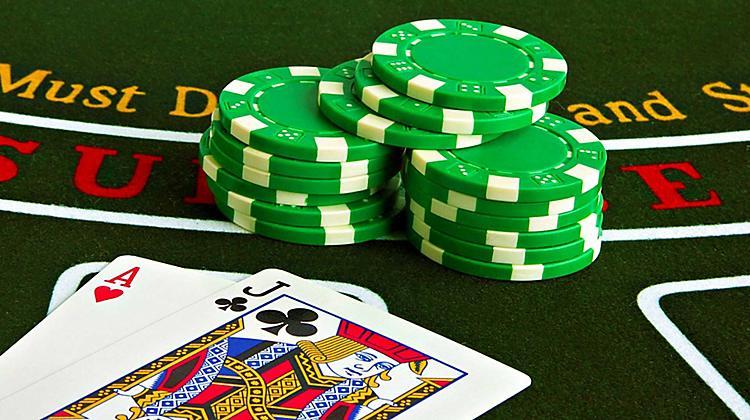 Tips Poker Untuk Meningkatkan Keuntungan Dalam Taruhan Poker Online