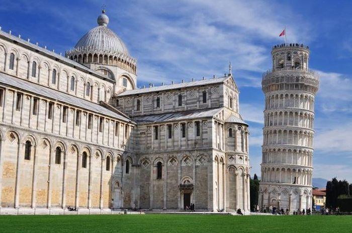 Menara Pisa : Objek Wisata Terfavorit di Italia